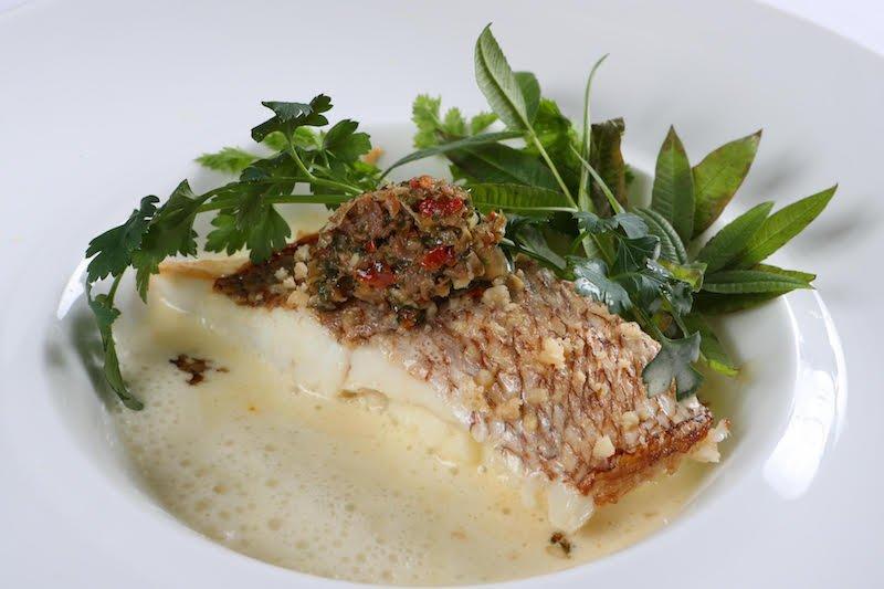 経験豊富なシェフが生み出す特別料理