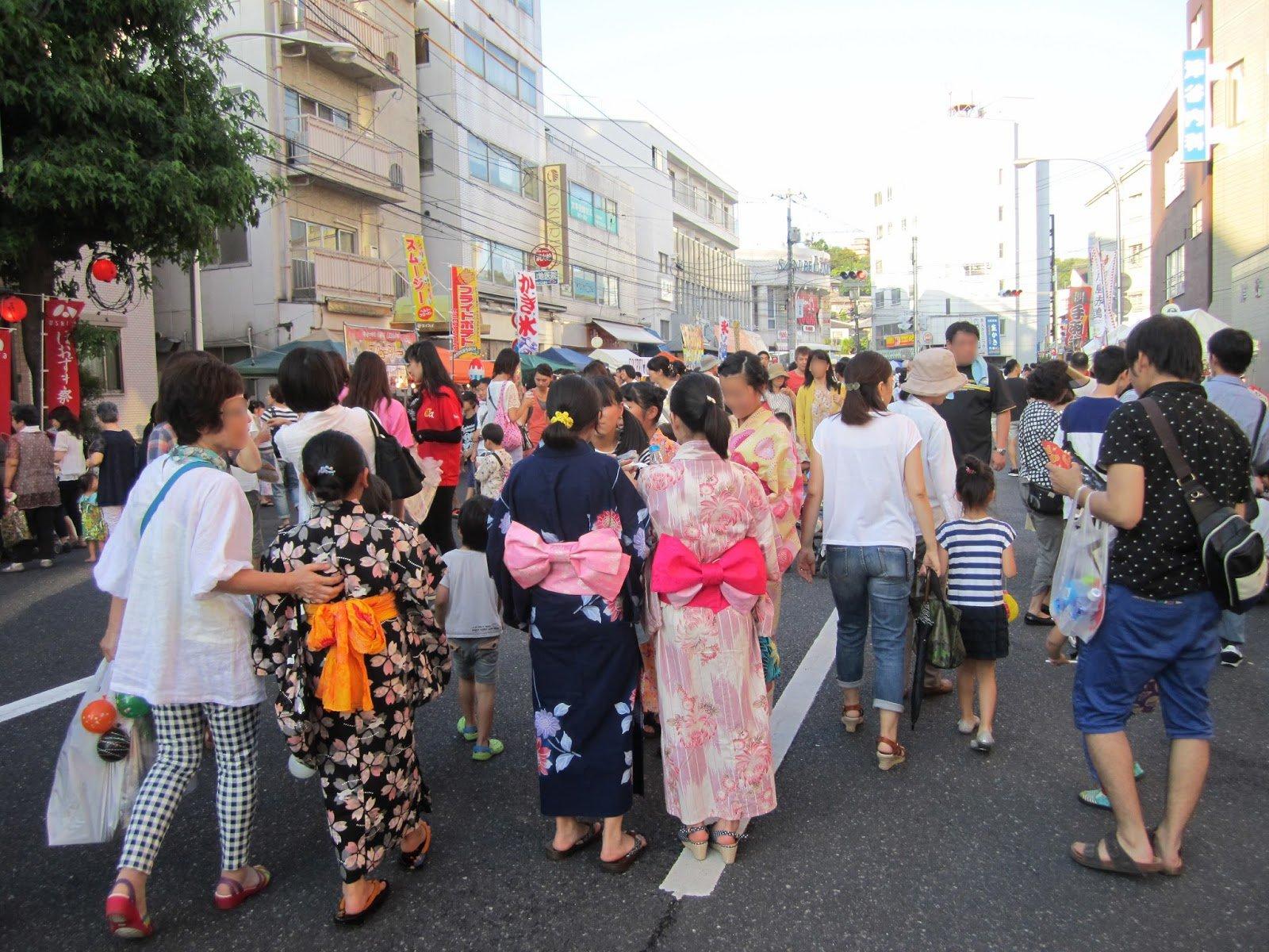 多くの人で賑わう「ほおずき祭」